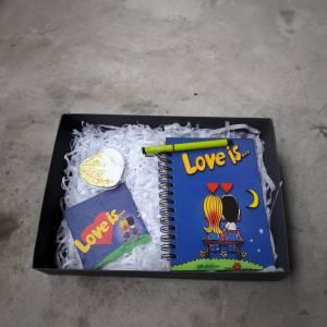 Love is temalı hediye kutusu